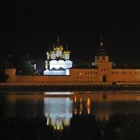 Свято-Троицкий Ипатьевский монастырь в Костроме :: Краснов  Ю Ф
