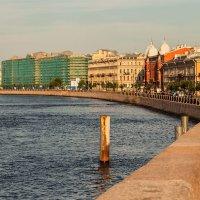 Вечер на набережной :: Зоя Авенировна Куренкова