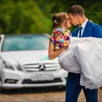 Идеальный муж — это мужчина, считающий, что у него идеальная жена :) :: Алексей Латыш