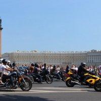 3000 Харлеев едут по городу :: Вера Моисеева