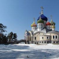Храм в Ново-Переделкино :: галина северинова