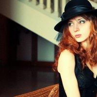 Девушка в шляпке :: Женя Рыжов