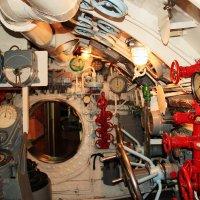 отсек управления подводной лодки :: Алёна Компаниец