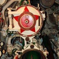 бомбовый отсек в подводной лодке (ссср) :: Алёна Компаниец