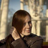 Девушка в кабине колеса обозрения. :: Дмитрий Строж