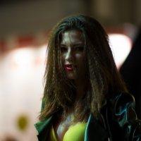 Девушка в кожаной куртке :: Александр Шадрин
