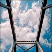 Пешеходный мост через Днепр :: Андрей Ясносекирский
