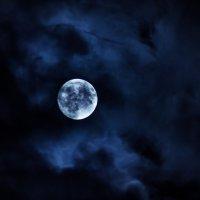 Луна ЕКБ 25.04 :: Максим Вакорин