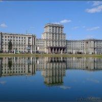 МГТУ. Вид из парка. :: Александр Охапкин