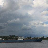 А по речке плывет пароход..... :: Tatiana Markova