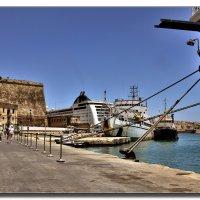 В порту Крита. :: Leonid Korenfeld
