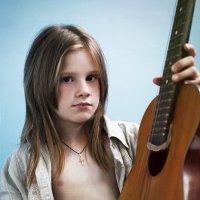 Девочка с гитарой :: Любовь Гайшина