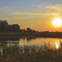 Вечер на озере. :: юрий Амосов