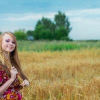 Девушка в поле :: Марина Белецкая