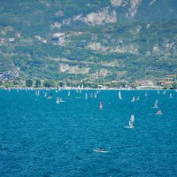 Виндсёрферы на озере Гарда (Италия) :: Андрей Крючков
