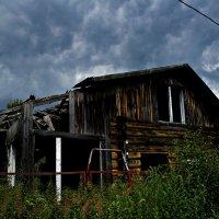 Заброшенный деревенский домик... :: Татьяна