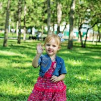 Прогулка в парке :: Дмитрий Конев