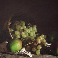 Виноград и груши :: Алина