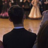 Окно в танцевальный мир :: Александр Рябчиков