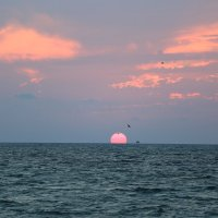 солнце садится :: valeriy khlopunov