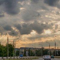 Тучи над городом встали :: Юрий Муханов