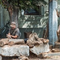 Мастер деревянных фигур :: Юрий Яловенко