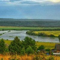Дождливое лето 2015 года (еле заметная радуга) :: Юрий Митенёв