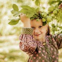 Лолита в яблочках. :: ольга каверзникова