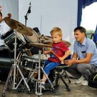 Юный барабанщик :: Дмитрий Конев