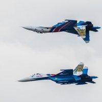 Русские витязи на Су-27УБ :: Владимир Клещёв