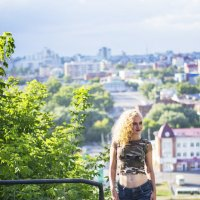 На фоне города :: Анастасия Логунова