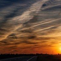 Закат над автотрассой. 20.08.2015. 02. :: Анатолий Клепешнёв