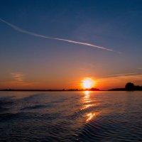Закат на озере :: Николай Густов