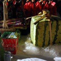 В Москве продают японские арбузы. :: Елена