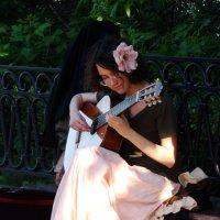 Юная гитаристка :: Элла Алиханян