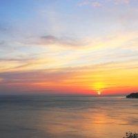Отражение в небе и в море :: Леонид