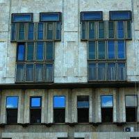 Стены, окна, небеса :: Ирина Сивовол