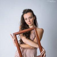 Девушка с Рамкой :: Кристина Ивчик