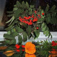 Веткой рябины осень стучится в окно :: Павлова Татьяна Павлова
