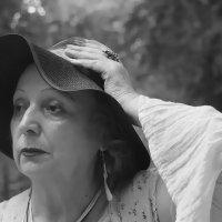 ..................он виноват, что я грустна, что верить людям перестала... :: Tatiana Markova