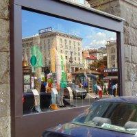 Отражение в витрине :: Ростислав