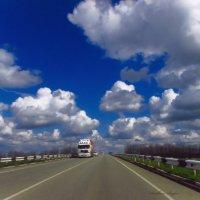 Небо, облака, дорога, дальнобойщик.. :: Svetlana Baglai