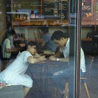 Свидания в Южной Корее сейчас проходят так... :: Евгений Подложнюк