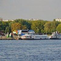 На теплоходе по Москва-реке. :: Юрий Шувалов
