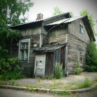 Старый дом. :: сергей лебедев