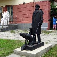 У музея. :: Елизавета Успенская