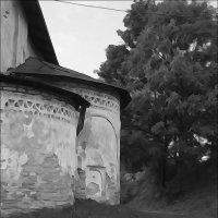 Старая церковь :: galina bronnikova