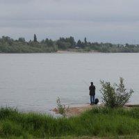 Одинокий рыбак :: Гулько Т