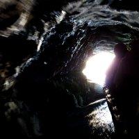 Выход их пещеры :: Наталья Джикидзе (Берёзина)