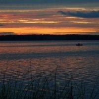 Ночное  озеро :: Наталия Зыбайло